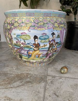 Beautiful 🌱 plant pot for Sale in Bellflower, CA
