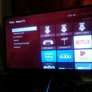 32-inch Roku television Smart TV with remote for Sale in Fresno, CA