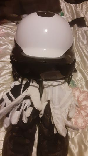 The helmet for softball is brand-new I got the use gloves and the use cleats I want 80 bucks for everything is Nike for Sale in Sacramento, CA