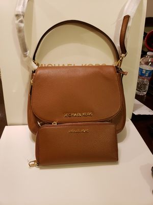 Croosbody Michael kors authentic brand new with wallet for Sale in Anaheim, CA