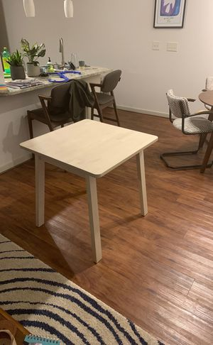 Medium-small kitchen table! Barely used! for Sale in Austin, TX