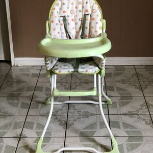 LIKE NEW EVENFLO BABY HIGH CHAIR for Sale in Riverside, CA