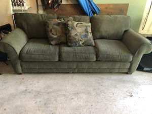 Sleep sofa (queen size) for Sale in Cherry Hill, NJ