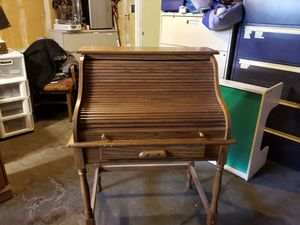 Small roll top desk for Sale in Arvada, CO