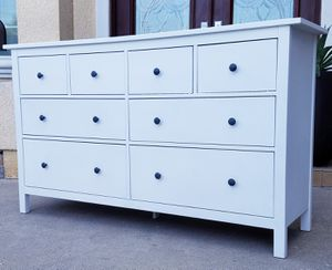 Beautiful Ikea White HEMNES 8 Drawer Dresser Chest Clothes Storage Organizer Wardrobe Stand Unit for Sale in Monterey Park, CA