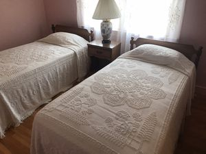 Twin Bedroom Set for Sale in Bellingham, MA