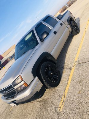 2006 Chevrolet Silverado for Sale in Round Lake Heights, IL
