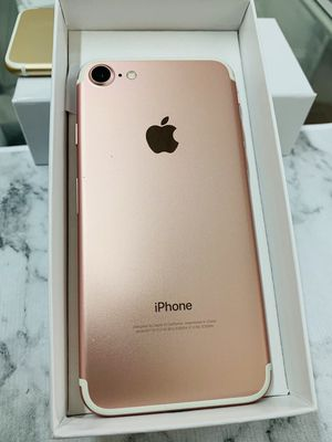 IPhone 7 (32 GB) Factory Unlocked Excellent Condition for Sale in Somerville, MA
