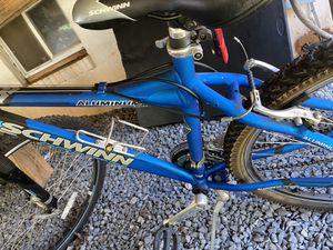 Schwinn mountain bike alumnium for Sale in Manassas, VA