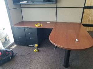 Office desk for Sale in Poinciana, FL