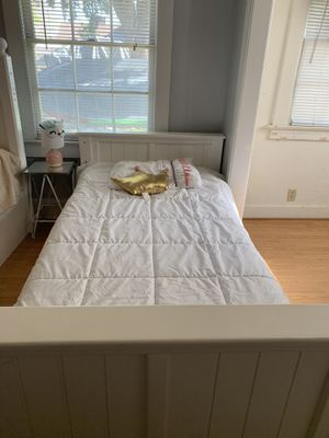 Twin bed frame for Sale in Fullerton, CA