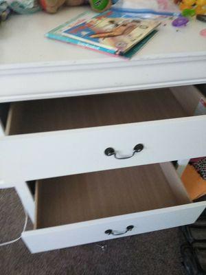 White 5 drawer dresser for Sale in Nashville, TN