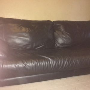 Loveseat Leather for Sale in Cleveland, OH