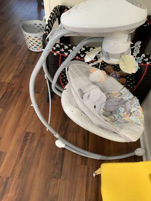 Fisher price baby swing for Sale in Hampton, VA
