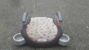 A car seat with 2 cup holders for Sale in Sumner, WA