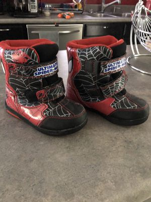 Snow boots kids size 11 for Sale in Phoenix, AZ