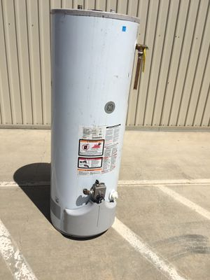 48 gallon water heater for Sale in Perris, CA