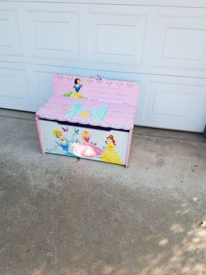 Princess toy box and bench! for Sale in Fresno, CA