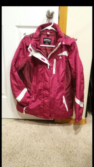 Brand new woman jacket snoozie size medium for Sale in Everett, WA