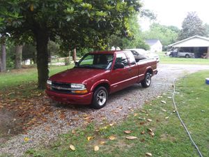 Chevy s10 5 speed for Sale in McMinnville, TN