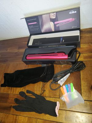 pink Ceramic Hair Straightener for Sale in Colton, CA