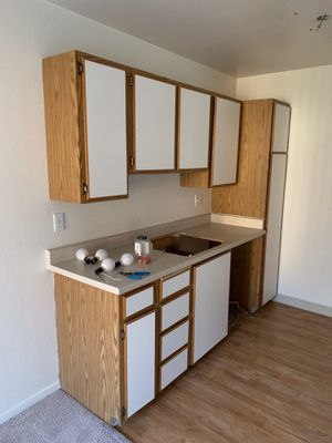 Kitchen cabinets for Sale in Edgewood, WA