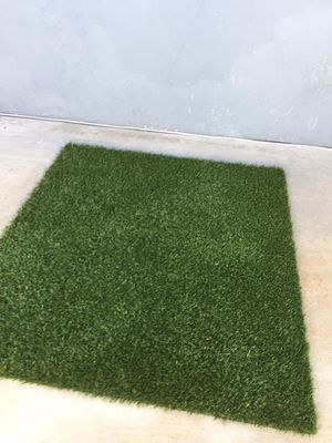Artificial Grass 4 foot by 4 foot $20 for Sale in Garden Grove, CA