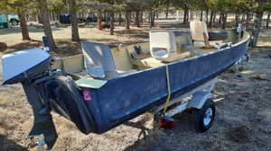 """Camo,16""""ft Fishing Boat for Sale in Culver, OR"""