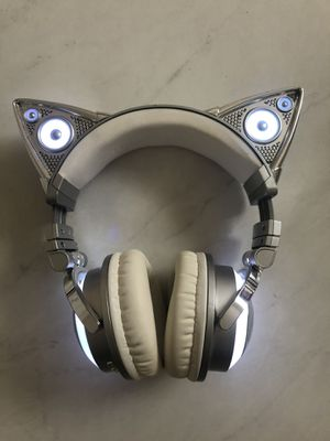 Brookstone Limited Edition Ariana Grande Wireless Cat Ear Headphones for Sale in Windermere, FL