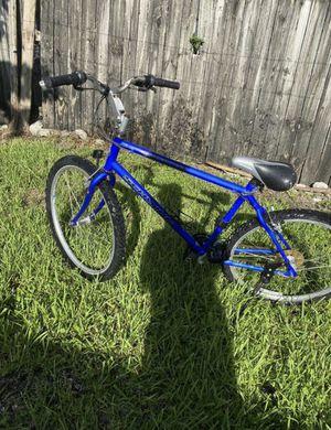 SCHWINN bike for Sale in Upper Marlboro, MD