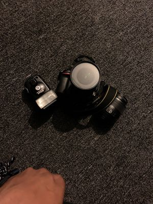 Nikon d7200 have all chargers and cords different camera lens for Sale in Cleveland, OH
