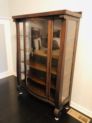 Antique China Caninet for Sale in Broadview Heights, OH