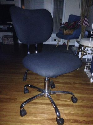 Roll chair rolly chair for Sale in Long Beach, CA