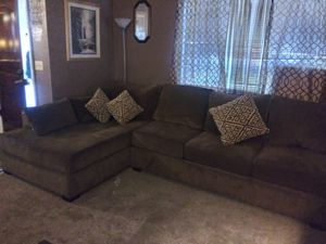 3 piece secional couches for Sale in Fresno, CA