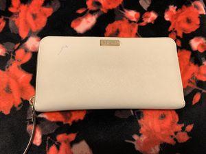 Kate spade zip wallet for Sale in Spokane, WA