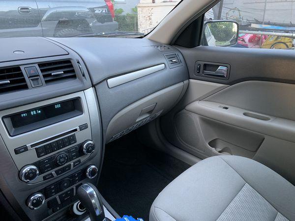 Ford Fusión 2010 (good condition)