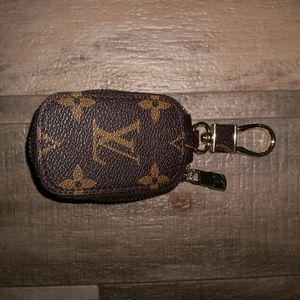 Louis Vuitton Key Holder for Sale in Beltsville, MD