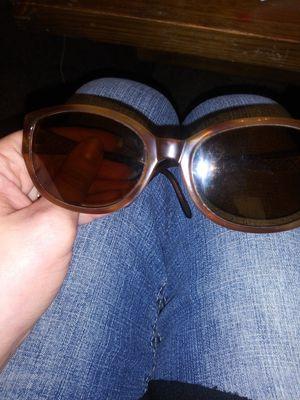 Ellen tracy sunglasses for Sale in Wichita, KS