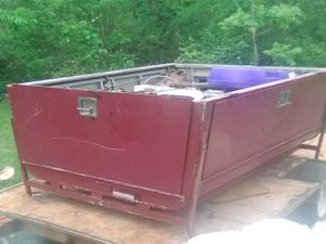 40 camper shell with ladder rack 6.3 long 5 ft wide for Sale in St. Louis, MO