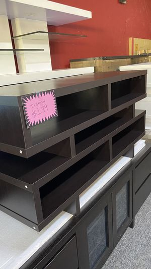 Brown Wooden Tv stand Fits yp to 55'' TV 1BMO7 for Sale in Grapevine, TX