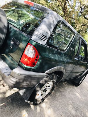 Isuzu supper sport keep with sun roof great condition nothing wrong with Jeep ... low mileage for Sale in Tampa, FL