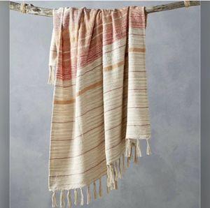 Lacourte Luxury Throw Blanket for Sale in Fontana, CA
