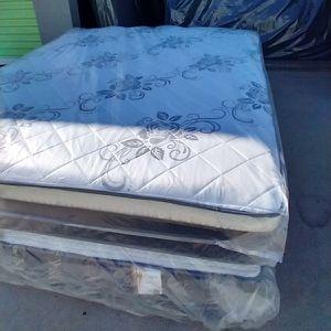 Queen Set Mattress Pillow Top Orthopedic for Sale in Fontana, CA