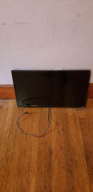 """32"""" Vizio smart tv for Sale in Everett, MA"""
