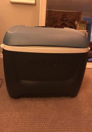 Igloo Rolling Cooler - Excellent Condition for Sale in Portland, OR
