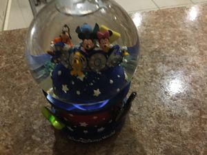 Retired disney parks snow globe. 2006 collectible. Musical. Perfect. Never used displayed only. for Sale in Port Richey, FL