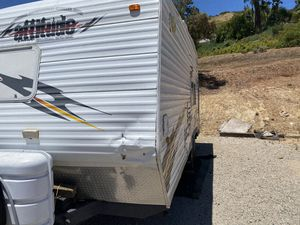 2006 attitude 19 foot toy hauler Rv camper for Sale in Los Angeles, CA