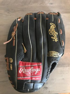 Baseball gloves for Sale in Riverside, CA