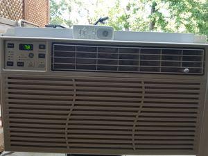 WINDOW AC 8000 BTU +remote for Sale in Sully Station, VA