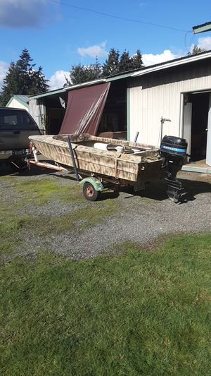 14 ft Columbian for Sale in Rochester, WA